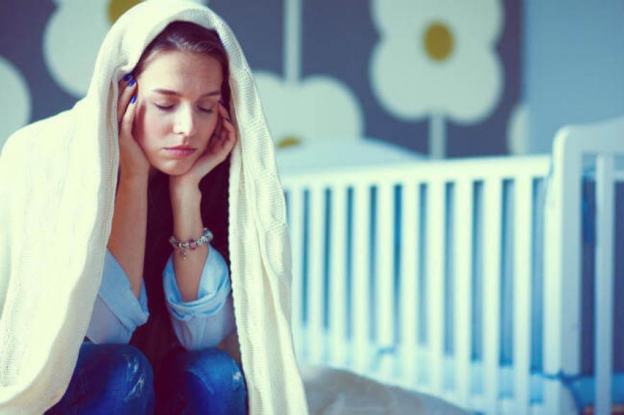 Mệt mỏi là triệu chứng thiếu máu sau sinh thường gặp